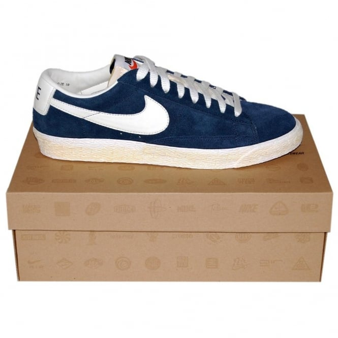 nike blazer low navy