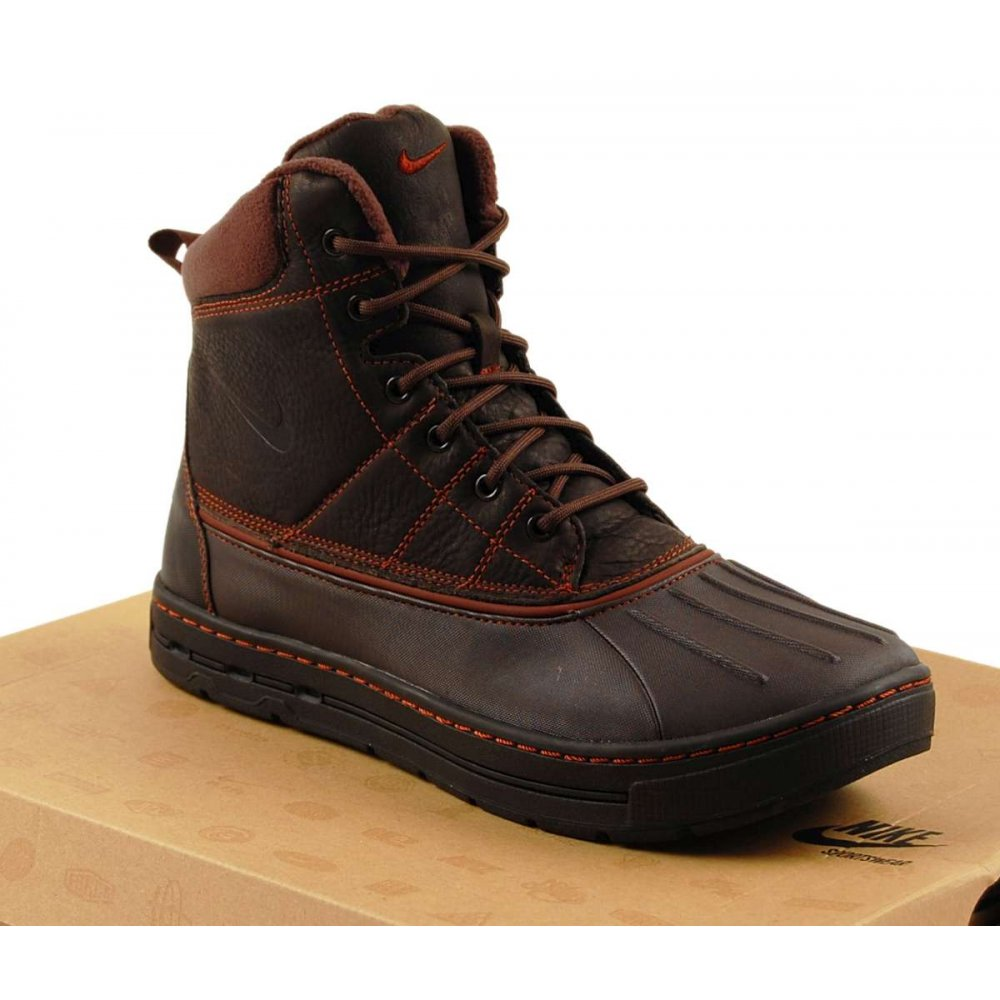 nike acg woodside tar brown mens shoes from attic