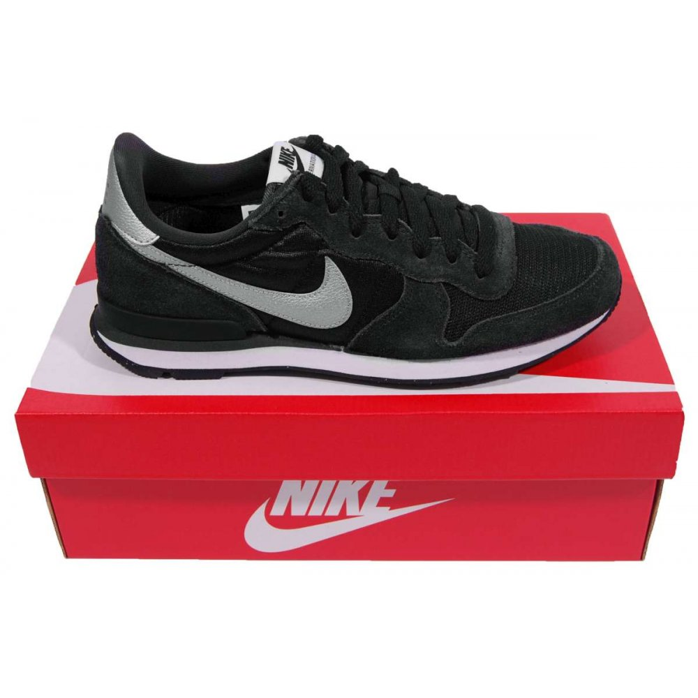 nike internationalist black metallic silver mens shoes. Black Bedroom Furniture Sets. Home Design Ideas