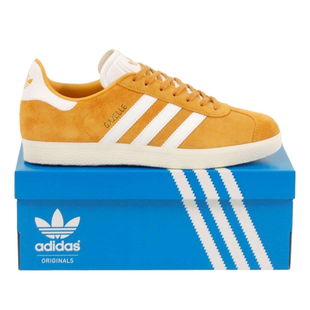 new style 15064 c9d97 Gazelle Collegiate Gold Footwear White Vintage White