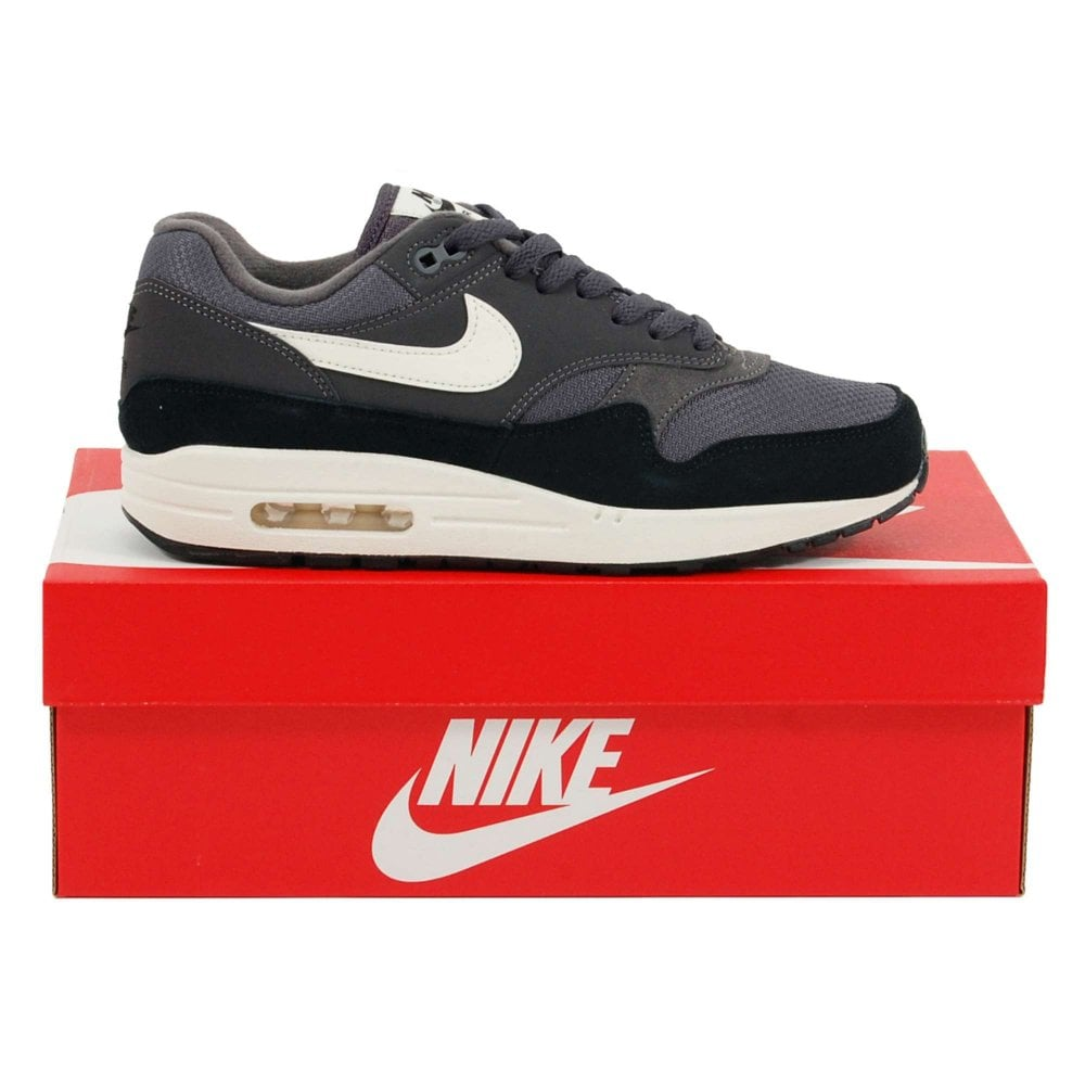 date de sortie: a6477 95fb2 Nike Air Max 1 Thunder Grey Sail Black
